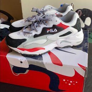 File sneakers